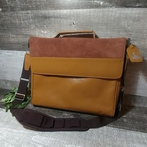 WIB woman in business leather laptop bag